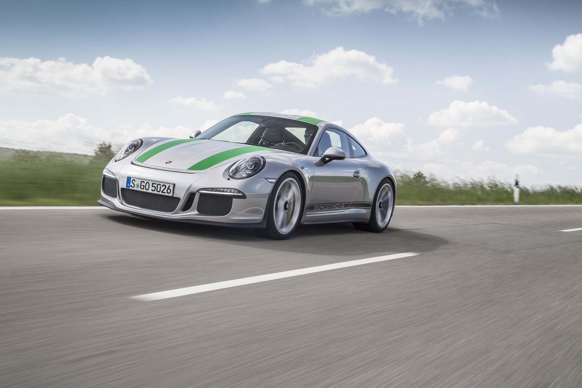 Porsche 911 R Flat-Out
