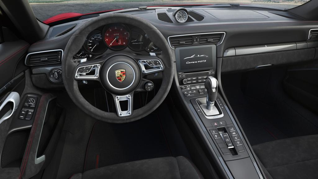 Porsche 911 Carrera 4 GTS Cabriolet Interior