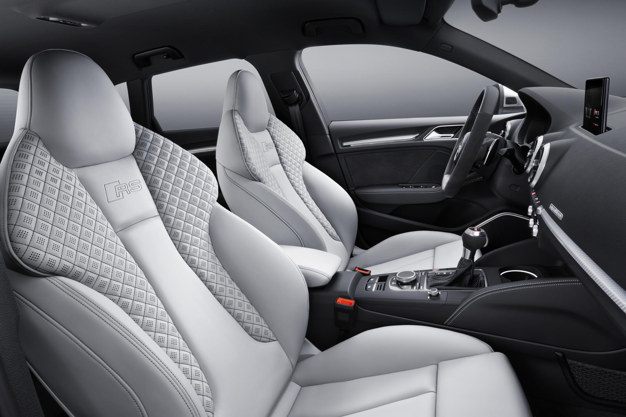 2017 Audi RS3 Sportback seats