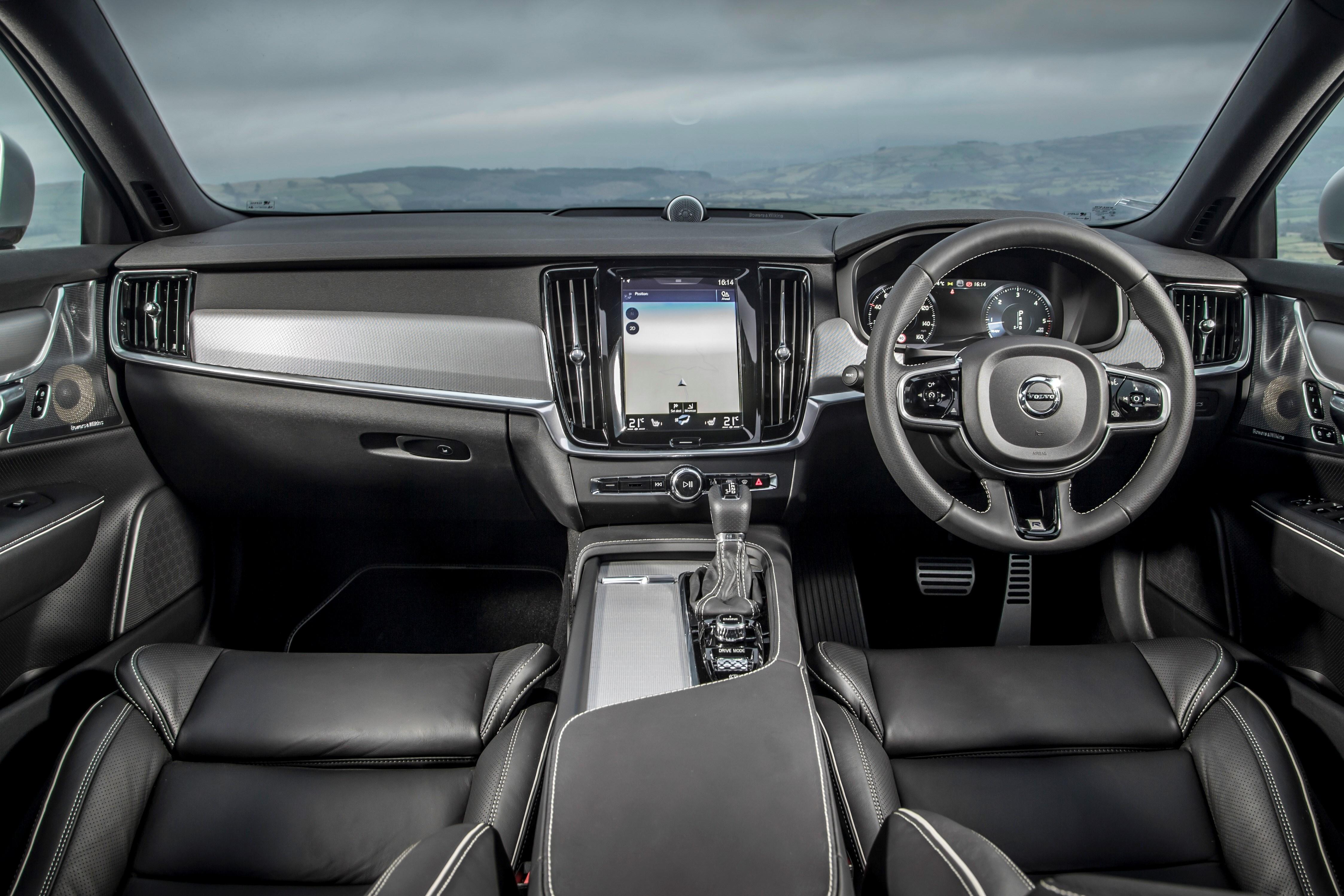 Volvo S90 R-Design cabin