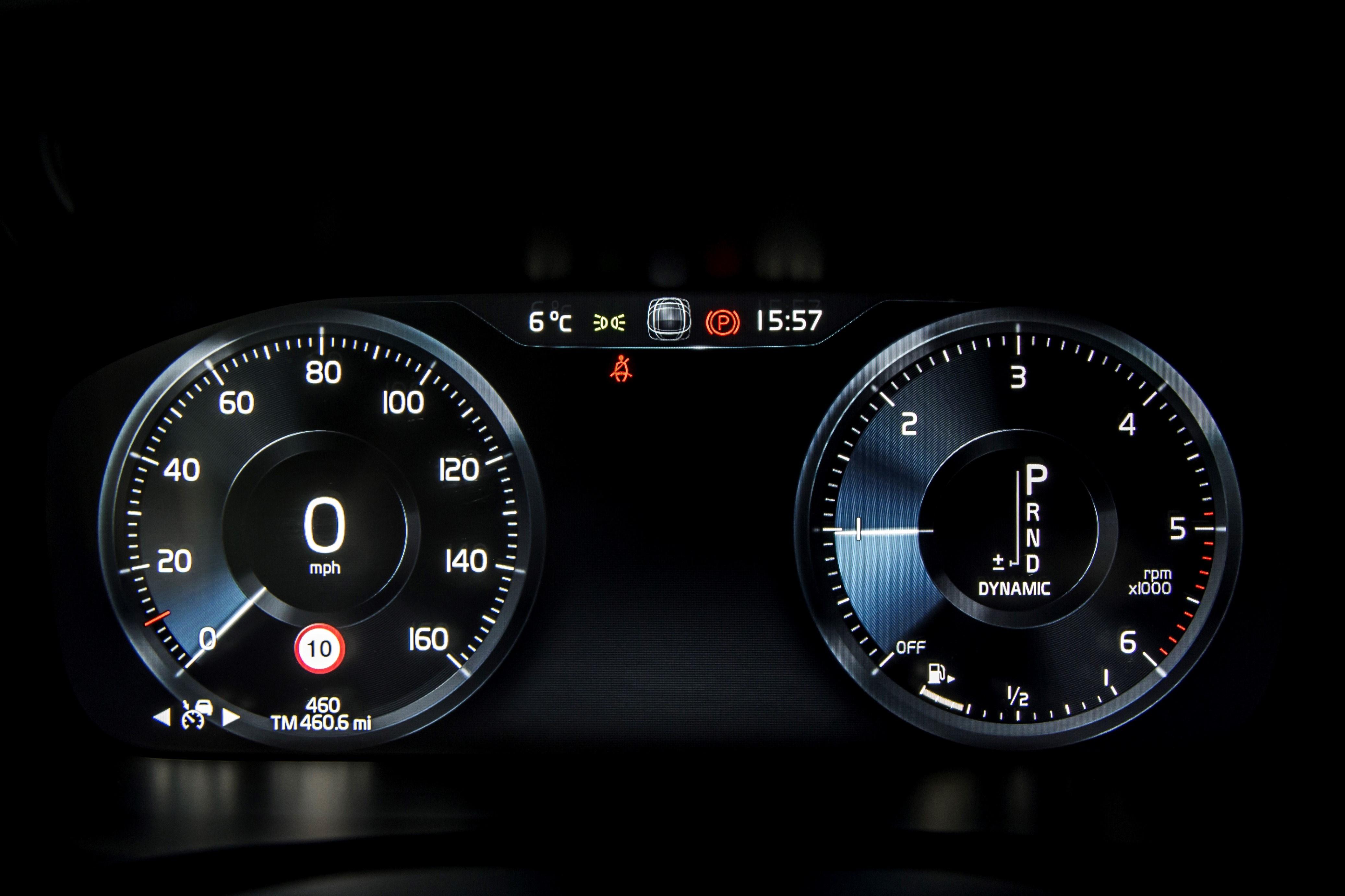 Volvo S90 R-Design dashboard