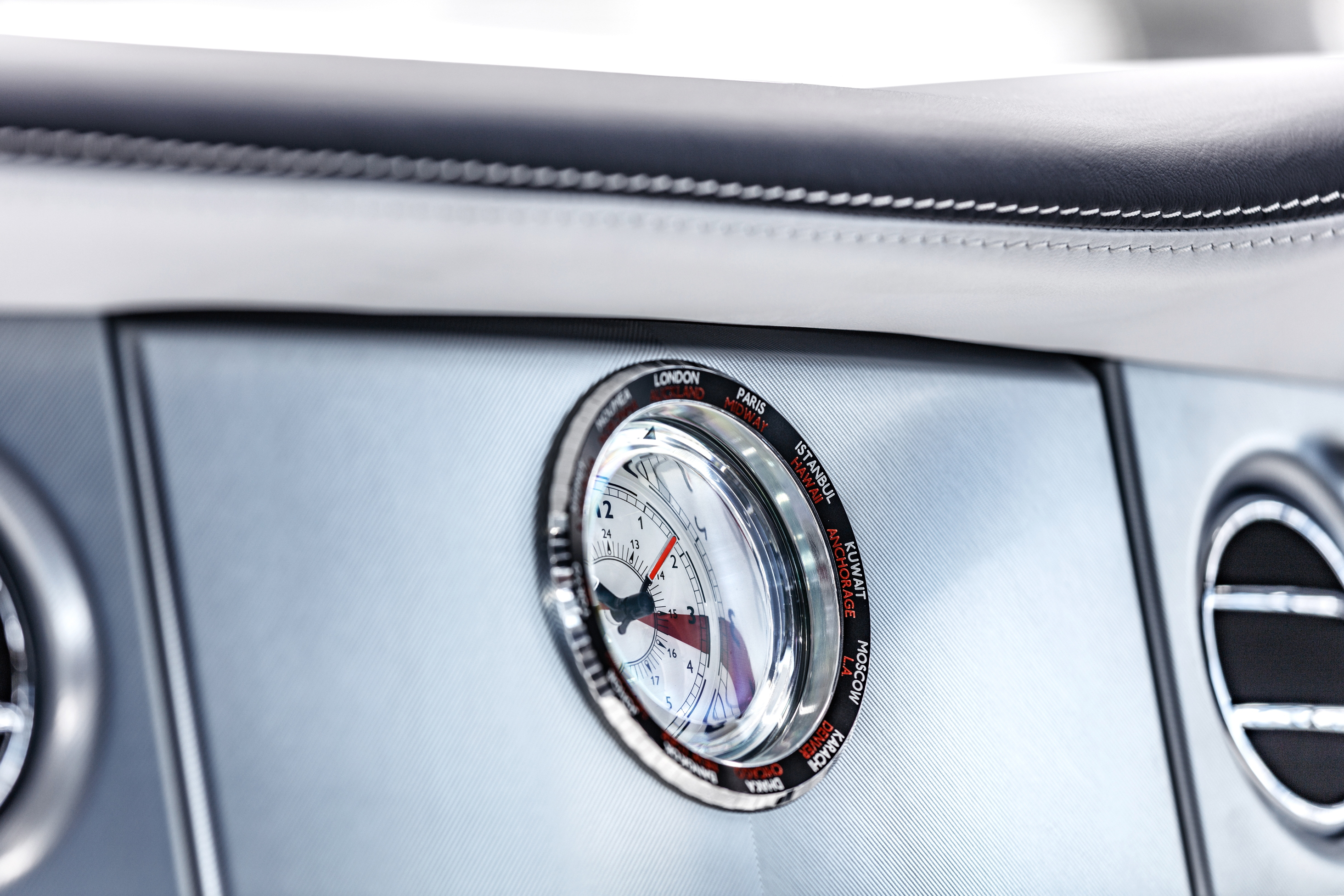 Final Rolls-Royce Phantom VII clocks