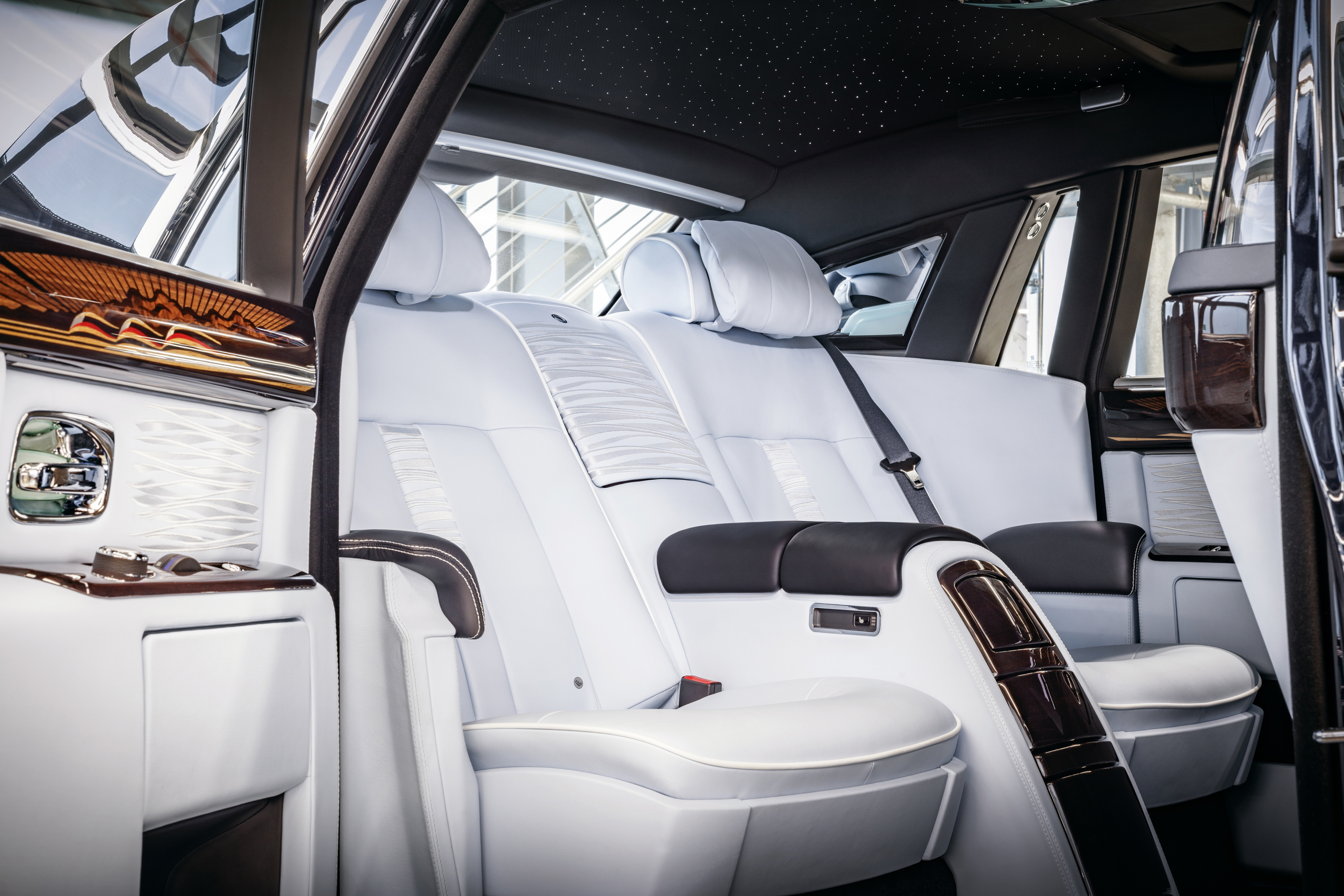 Final Rolls-Royce Phantom VII interior