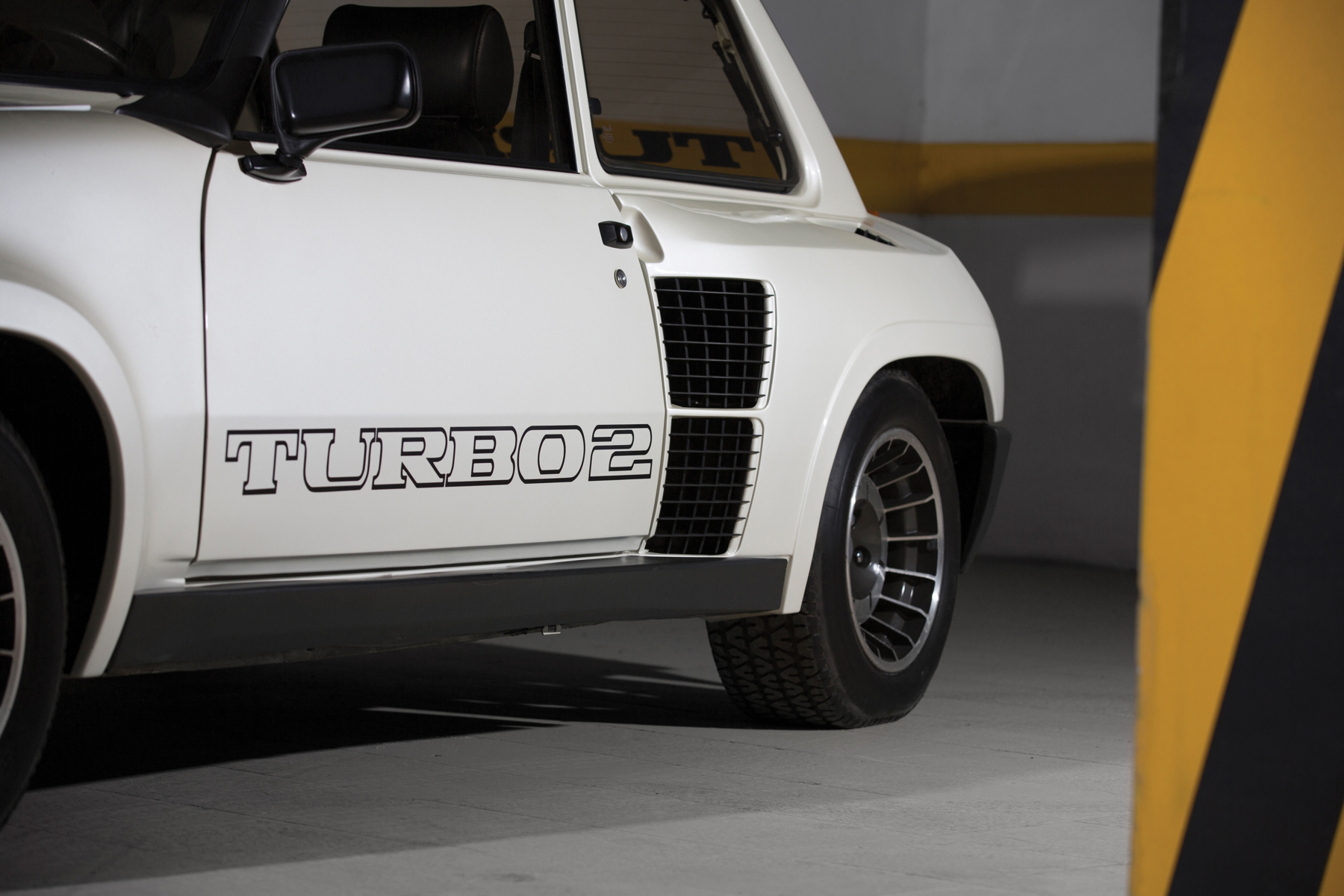 RM Sotheby's Retromobile - Renault 5 Turbo arch vent