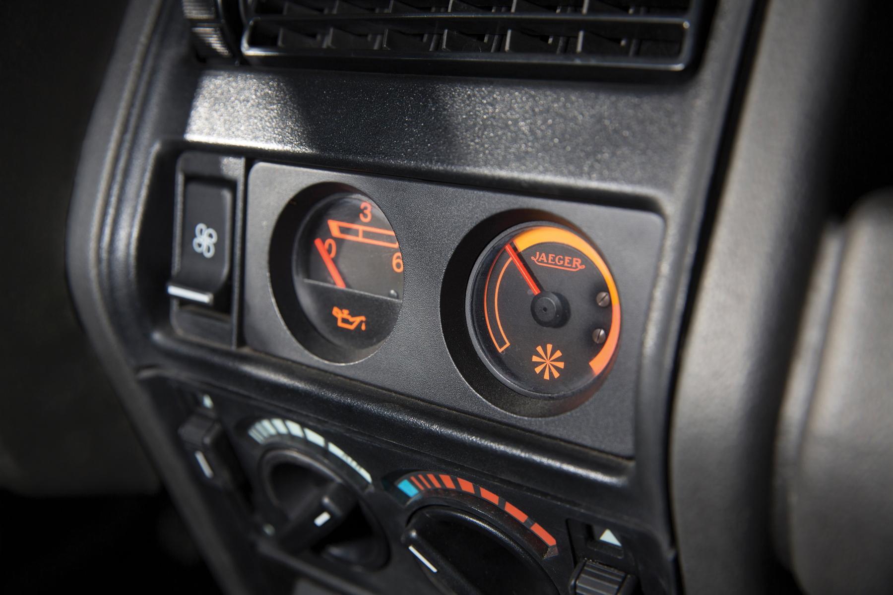 RM Sotheby's Retromobile - Renault 5 Turbo dials