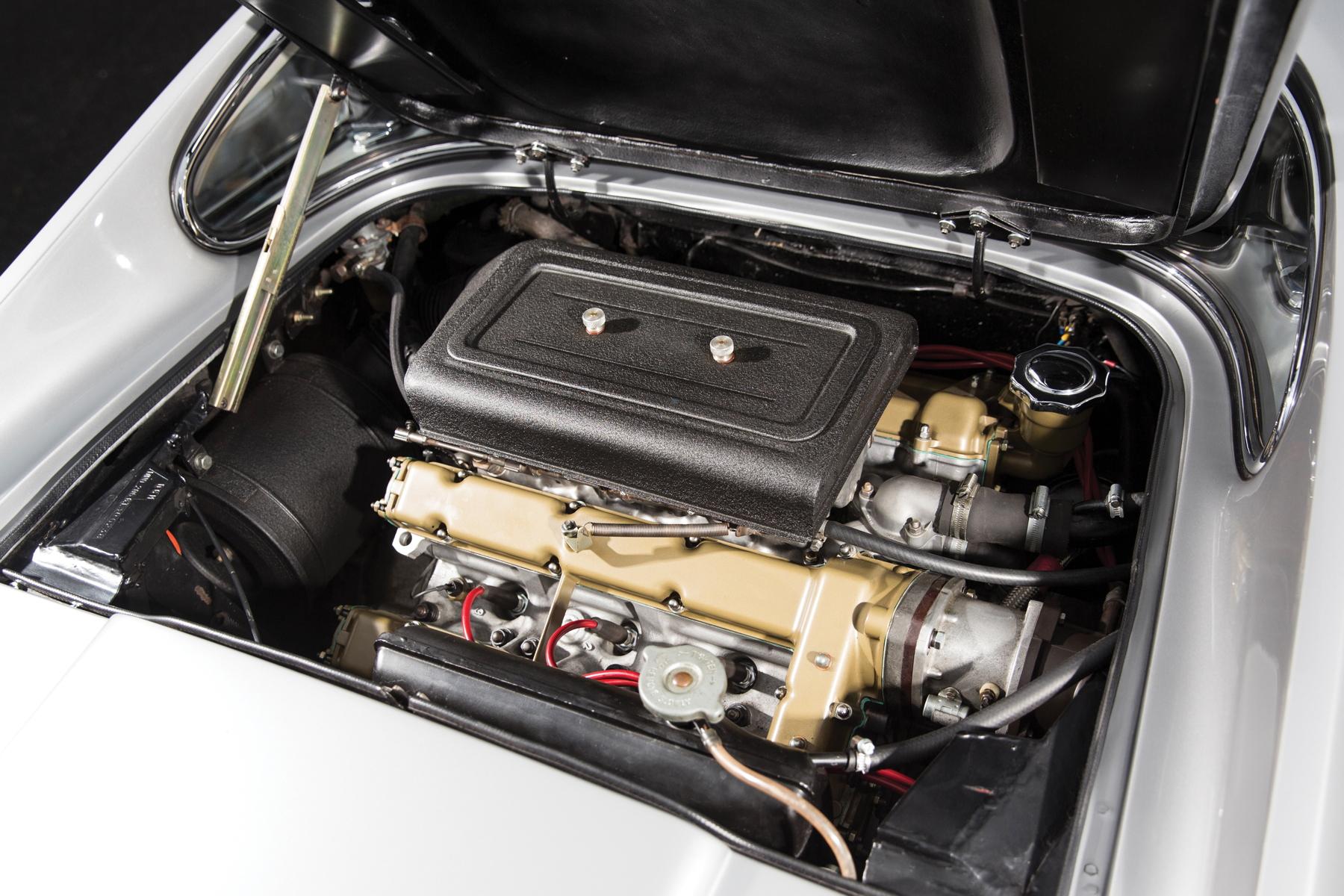 RM Sotheby's Retromobile - Ferrari Dino 206 GT engine