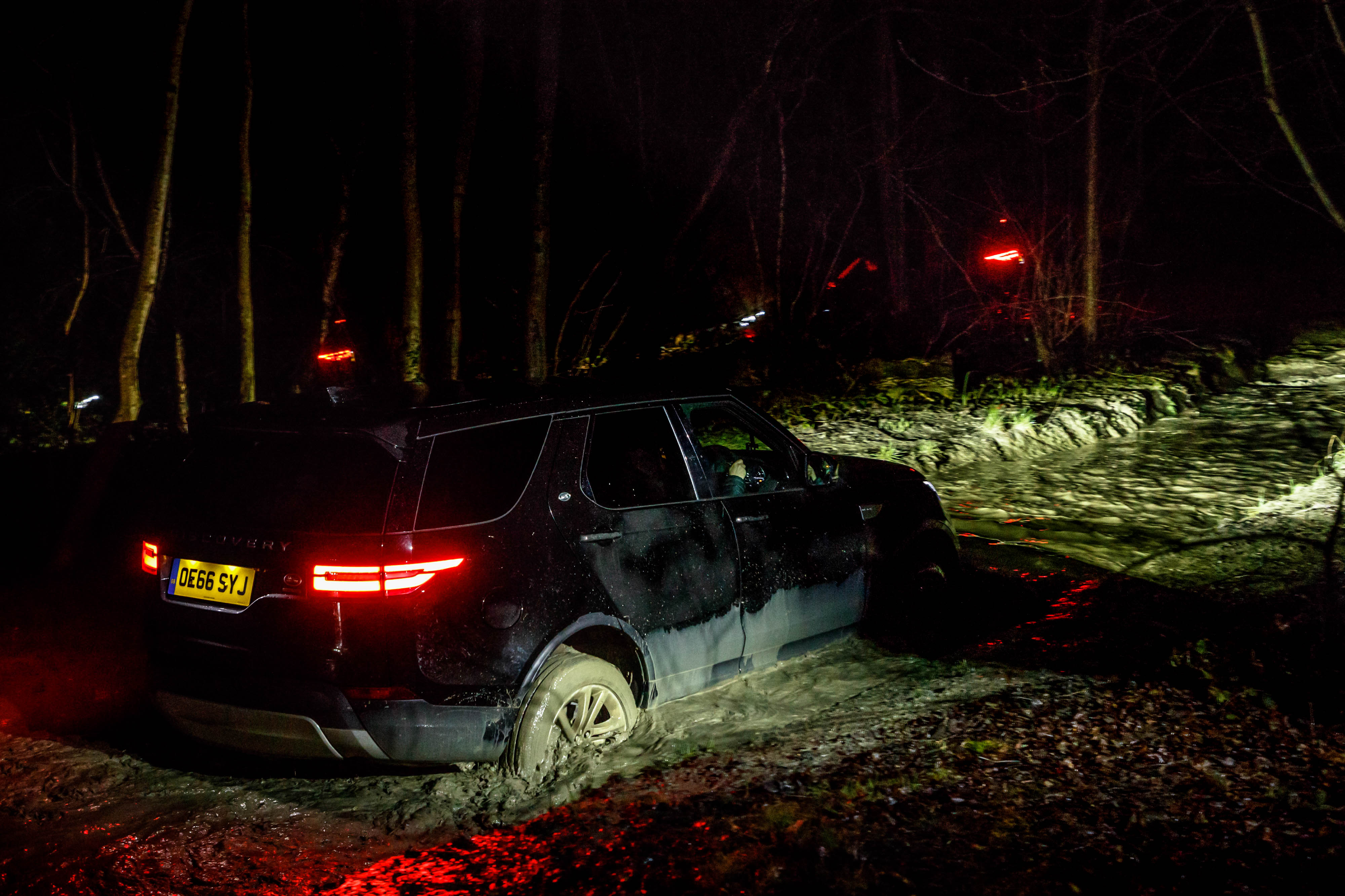 2017 Land Rover Discovery night time rear
