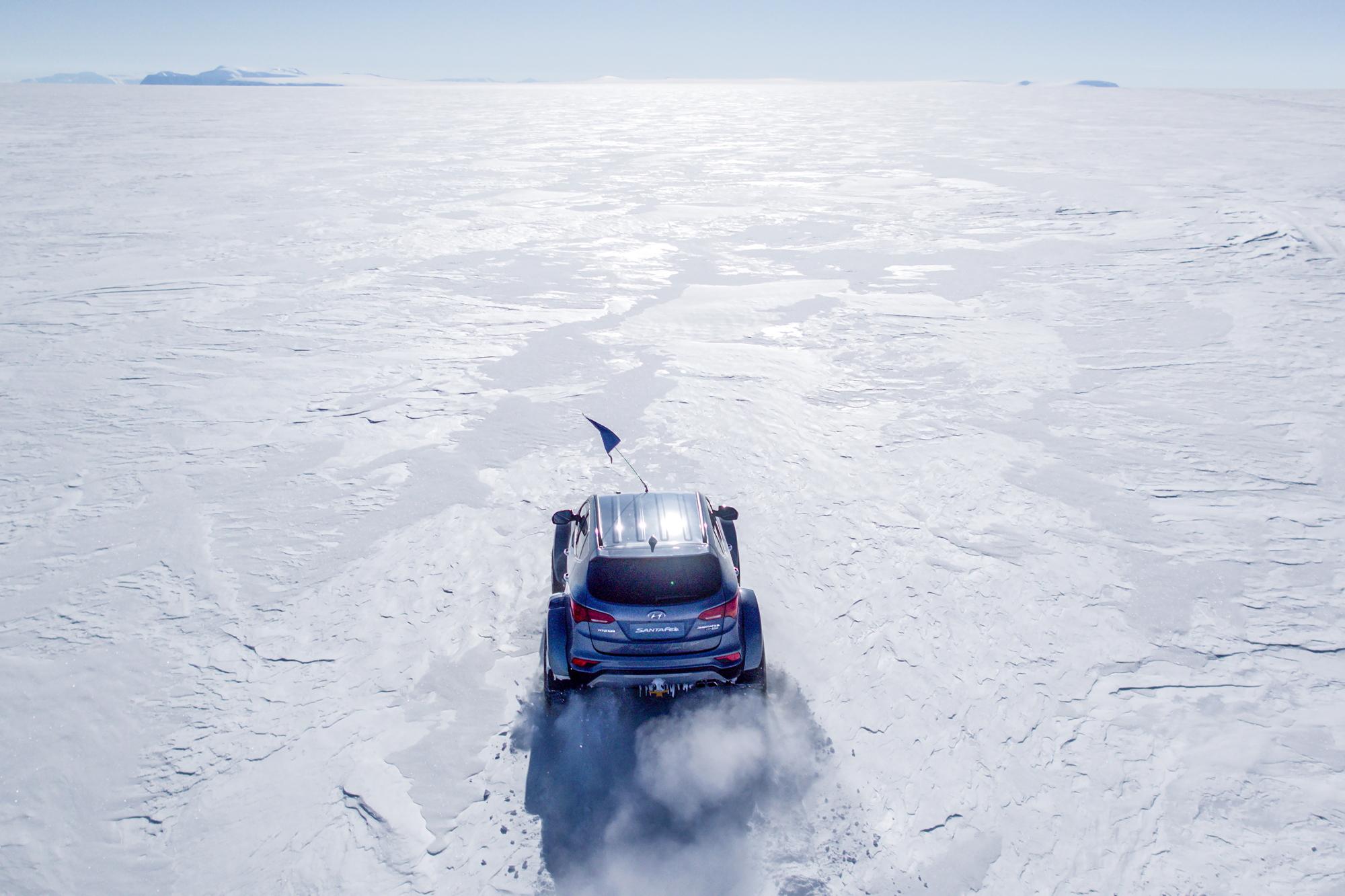 Hyundai crosses Antarctica