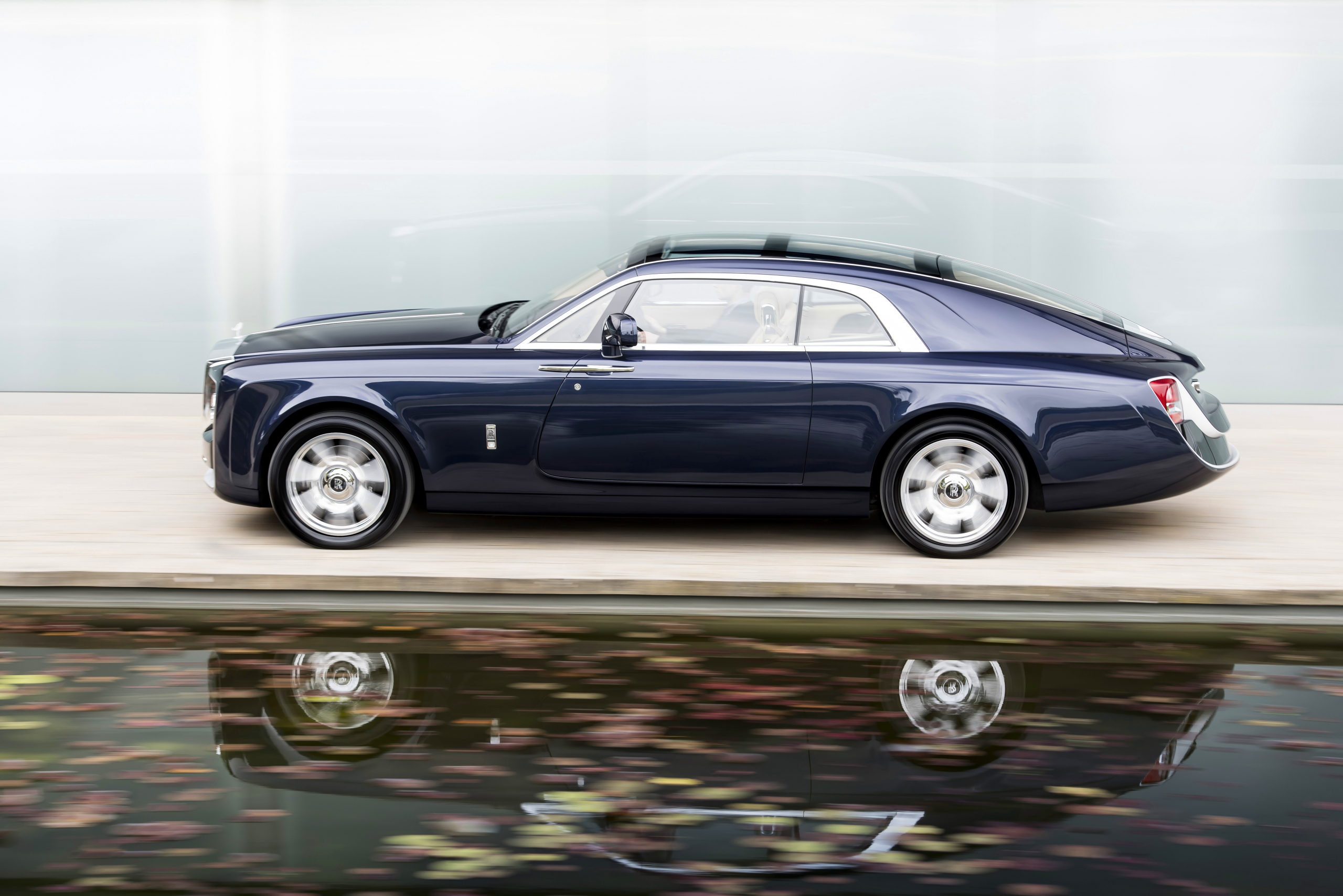 Rolls-Royce Sweptail side