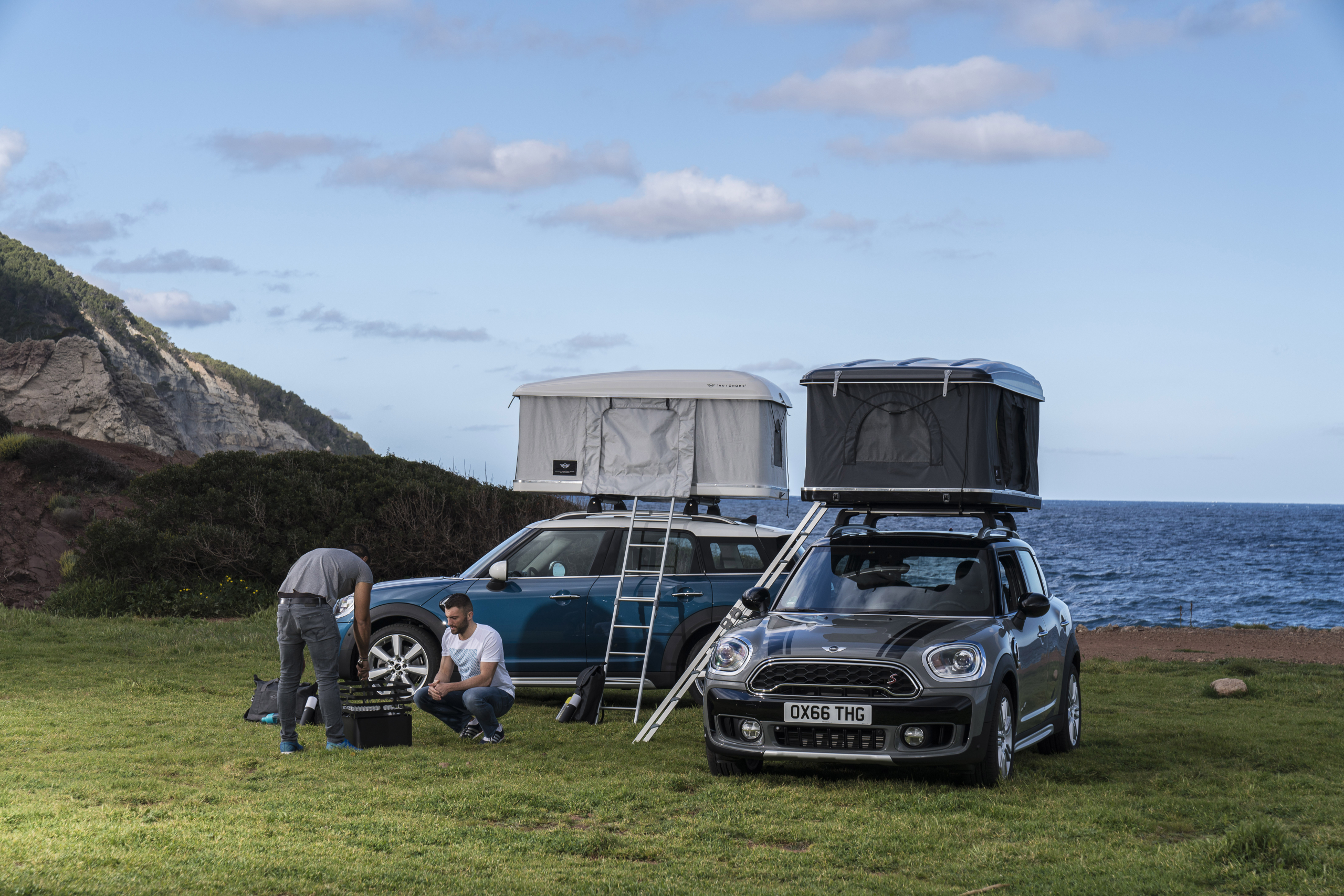 Mini Countryman roof tent by Autohome