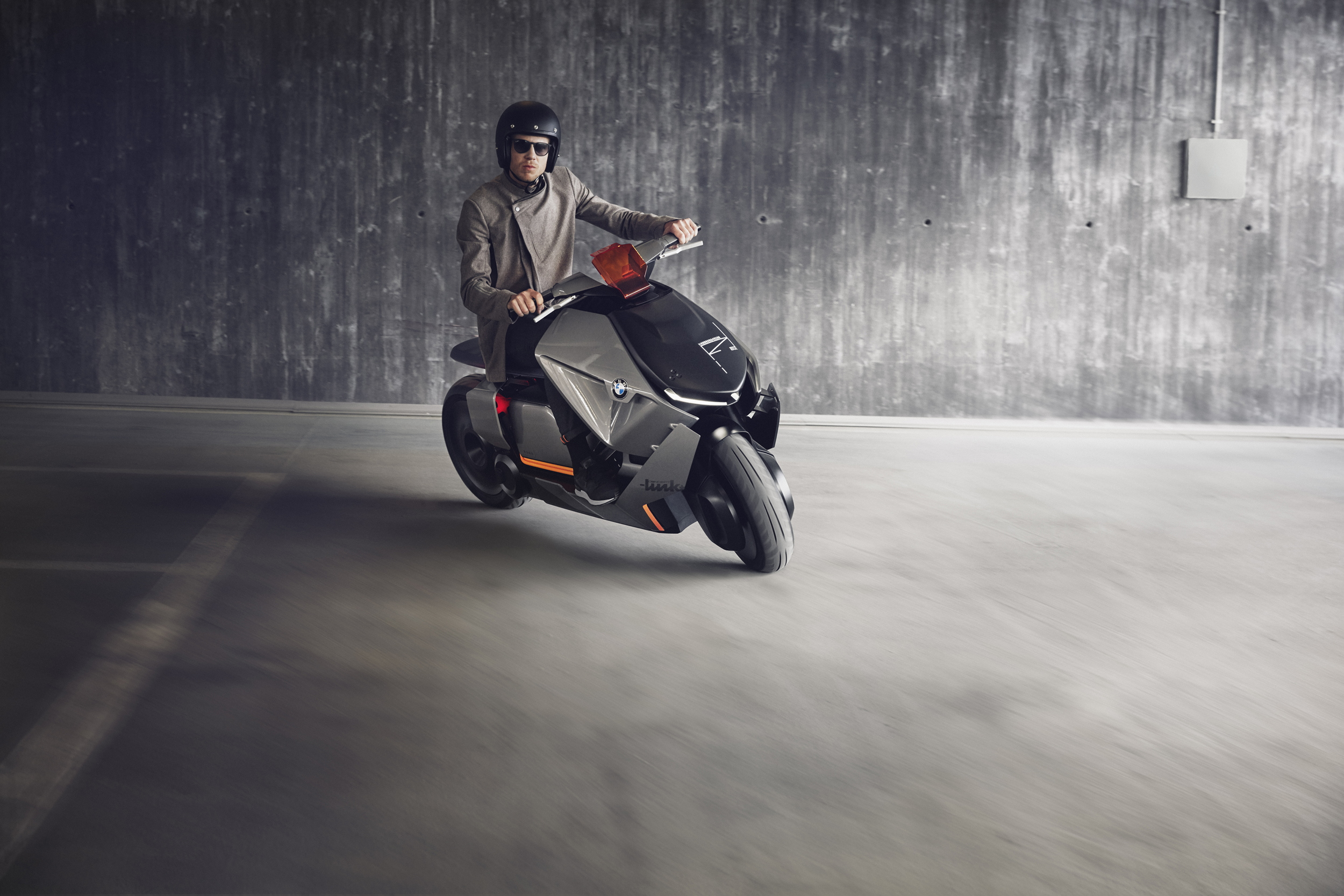 BMW Motorrad Concept Link riding