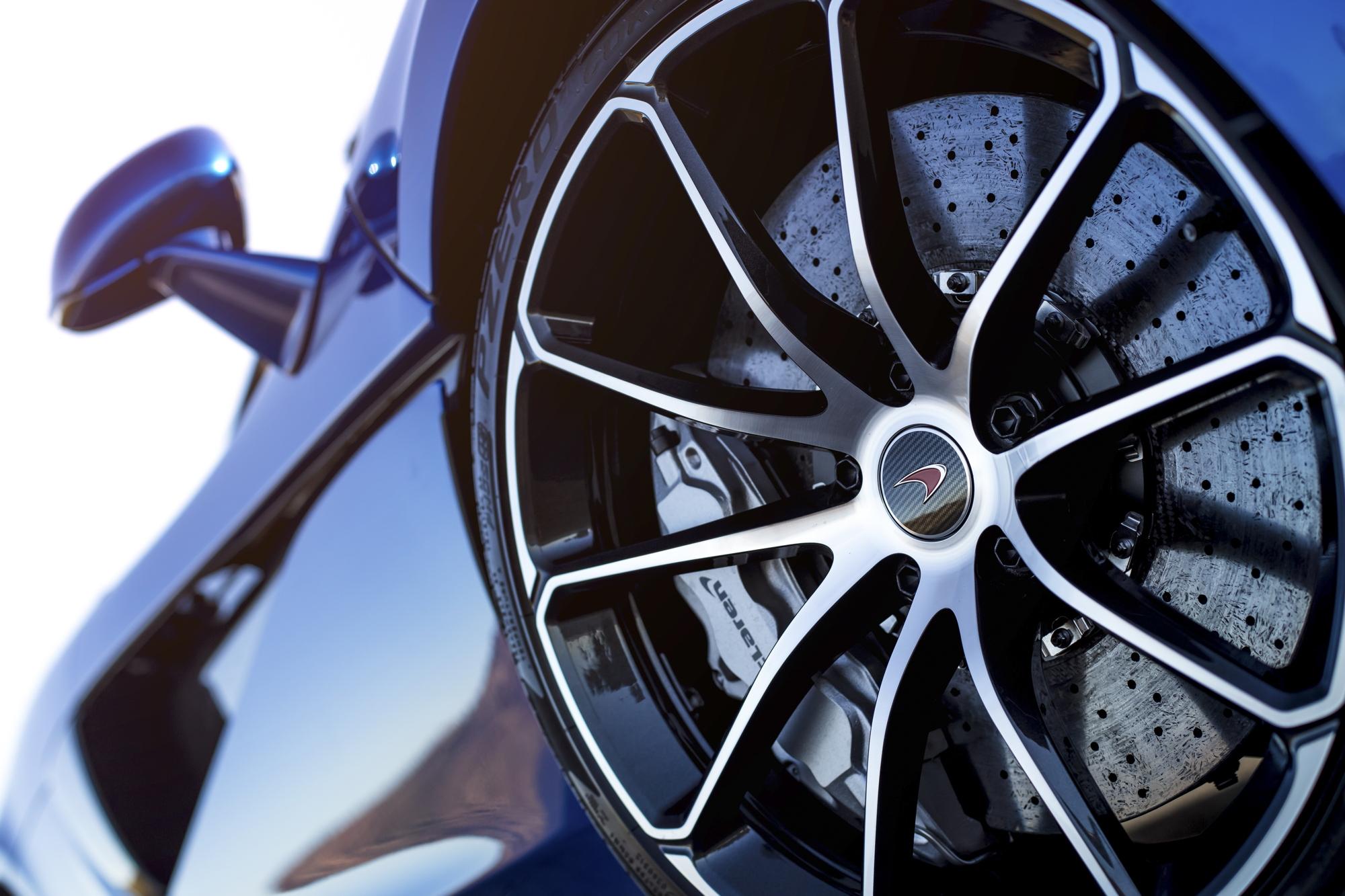 McLaren 570S Spider wheel