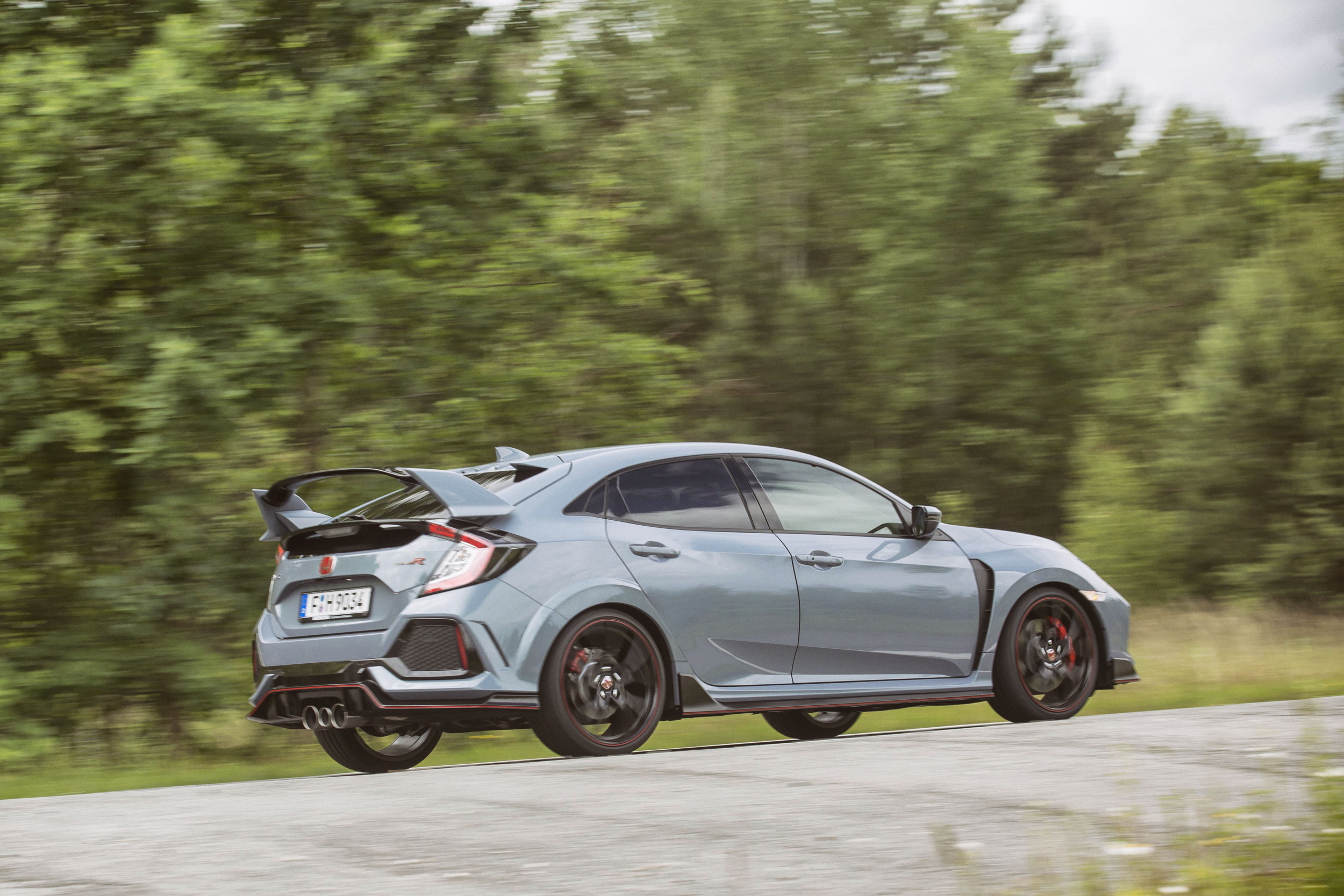 Honda Civic Type R cornering