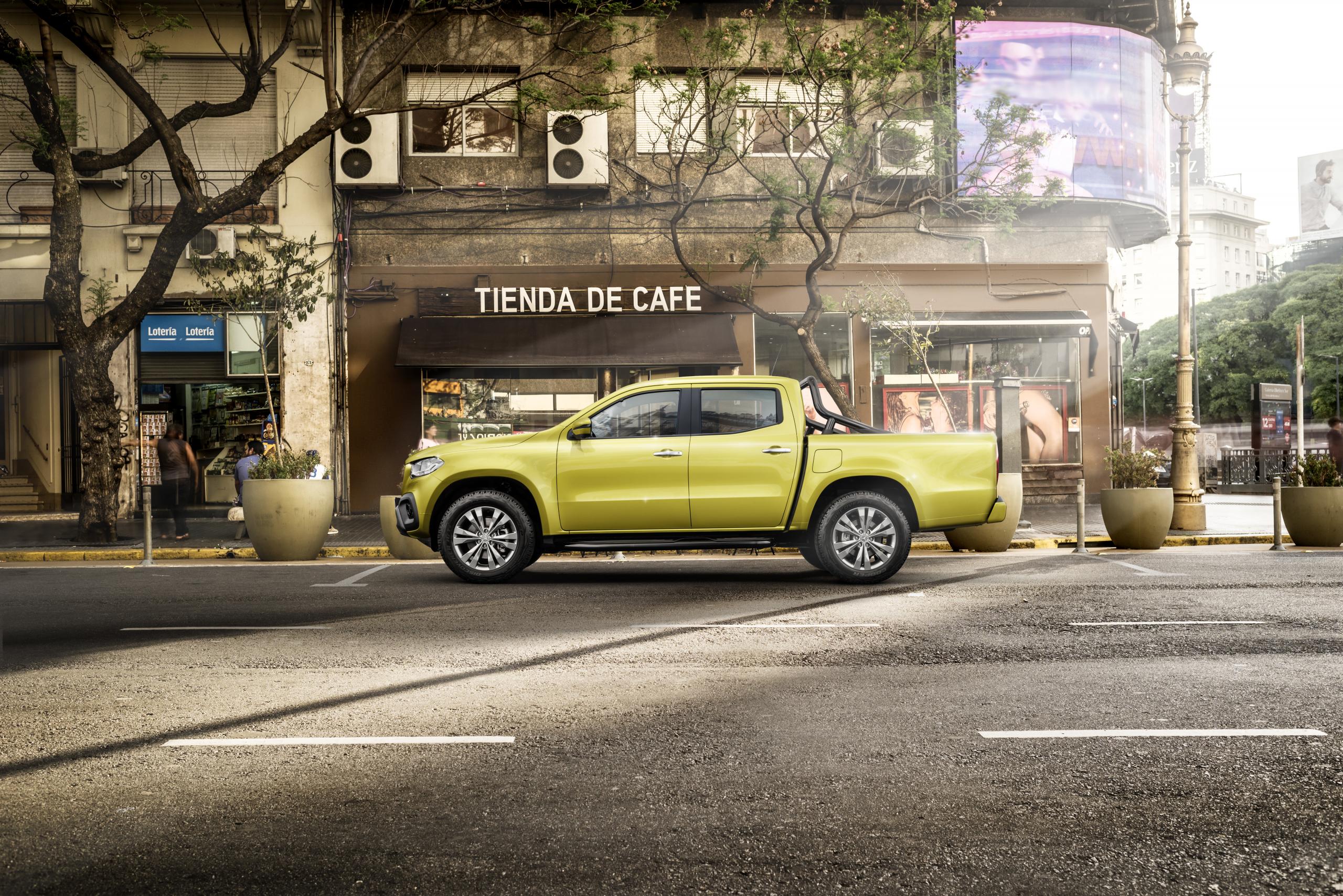 Mercedes-Benz X-Class Progressive profile