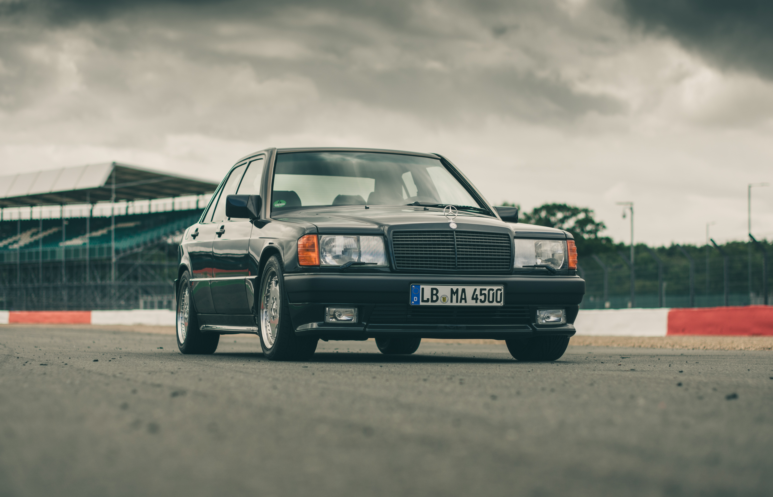 flat out magazine driving heroes mercedes benz 190 e amg flat out magazine. Black Bedroom Furniture Sets. Home Design Ideas