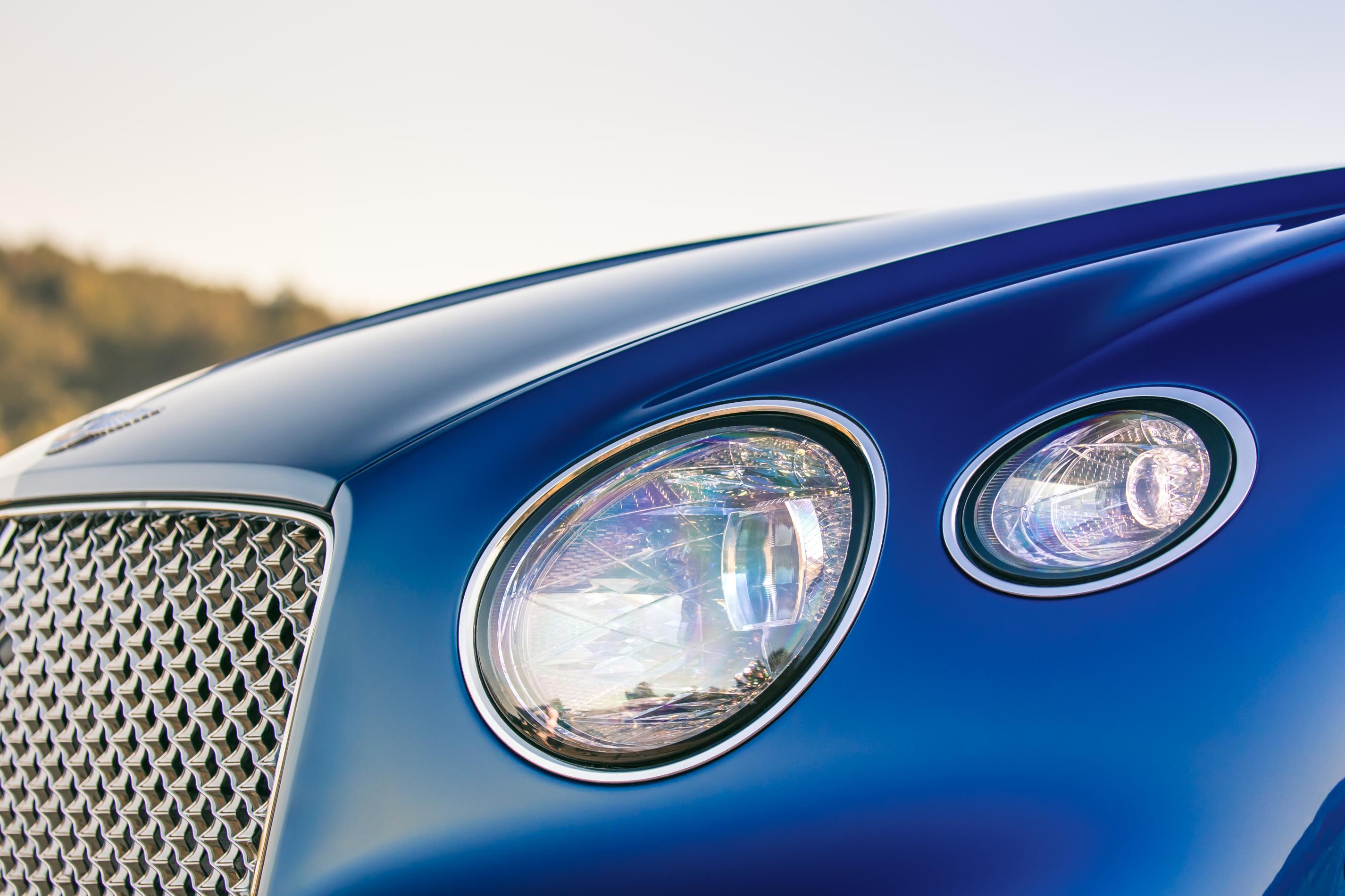 2018 Bentley Continental GT headlights