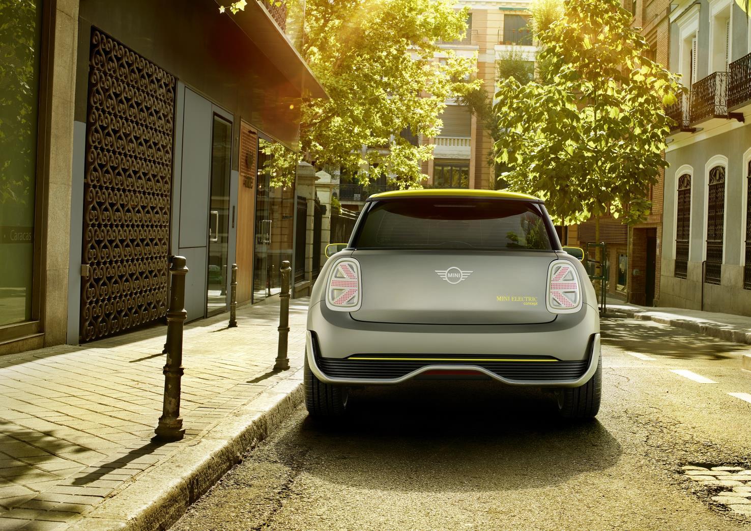 2017 Mini Electric Concept rear end