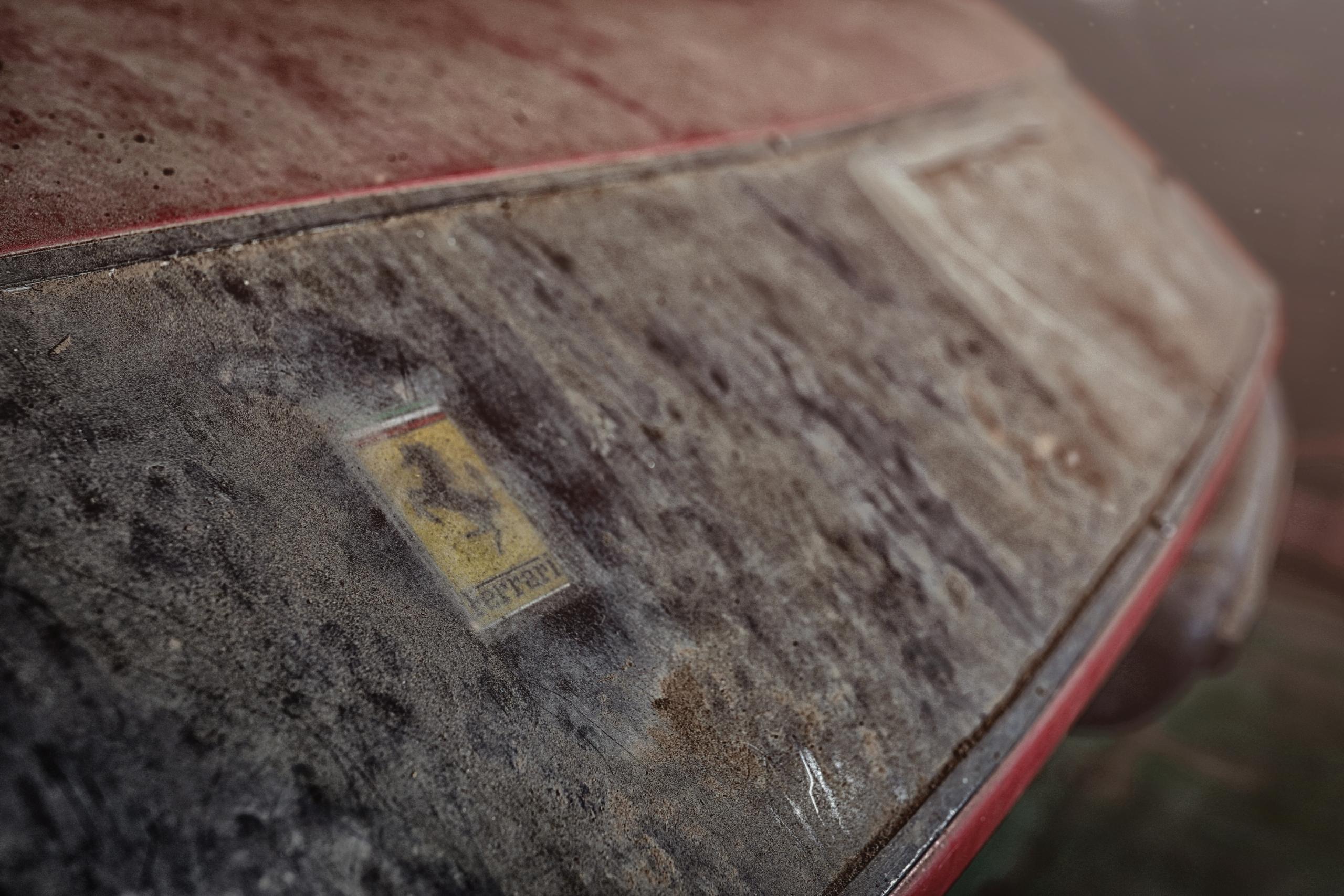 Ferrari 365 GTB/4 'Daytona' barn find badge