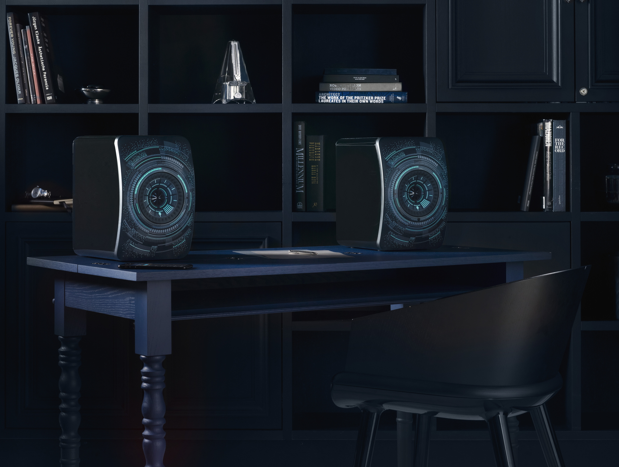 KEF LS50 Wireless Nocturne table