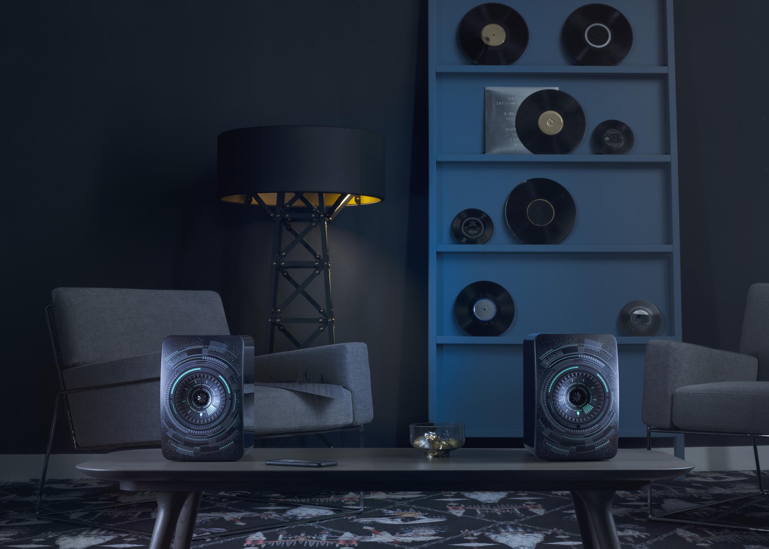 KEF LS50 Wireless Nocturne lifestyle