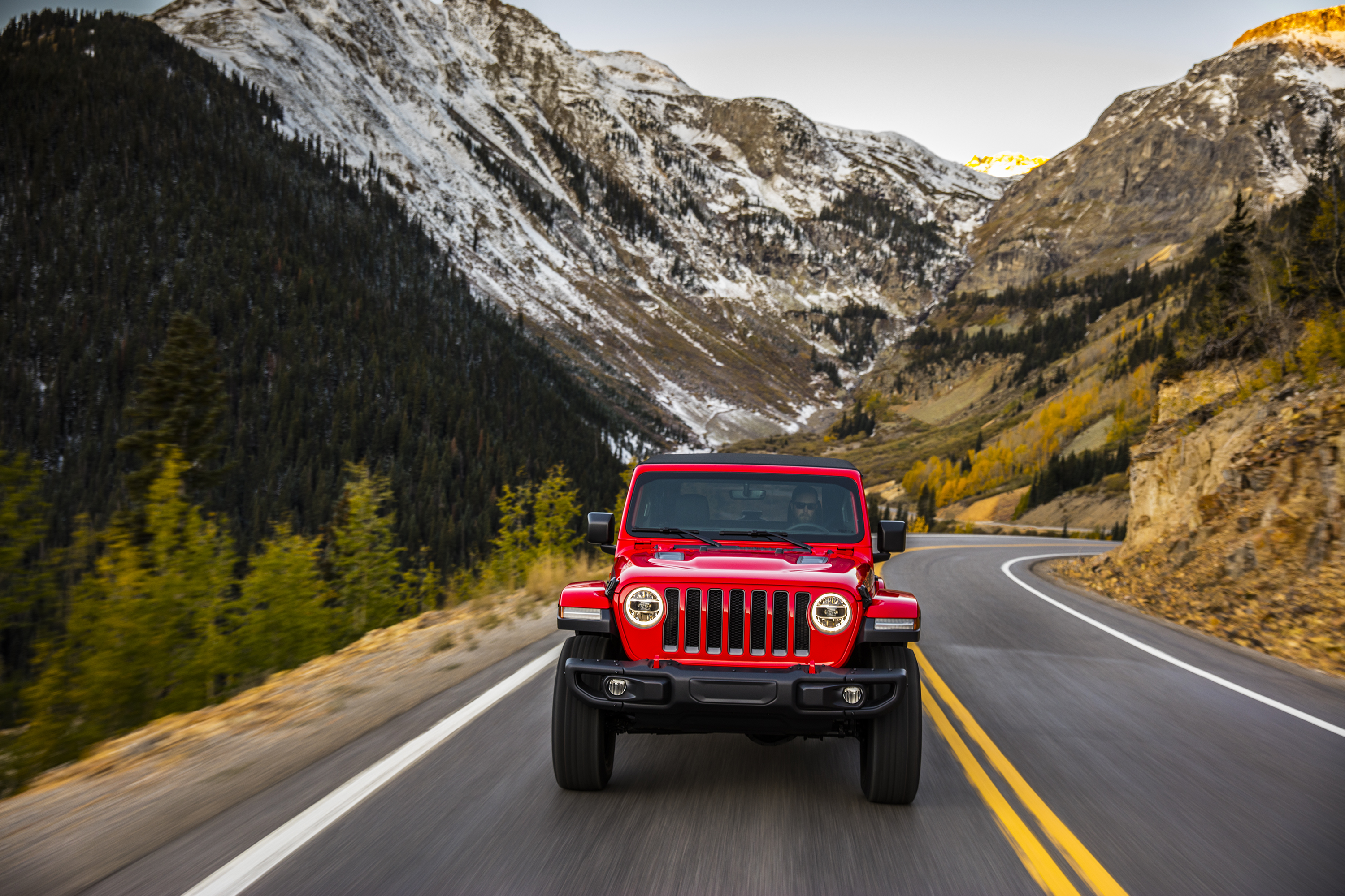 2018 Jeep Wrangler Rubicon front driving