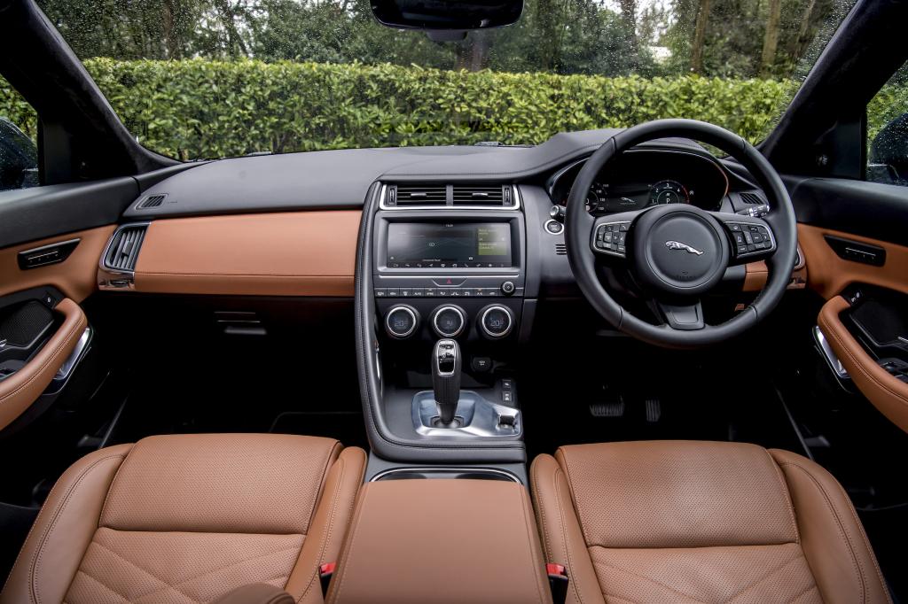 Jaguar E-PACE D180
