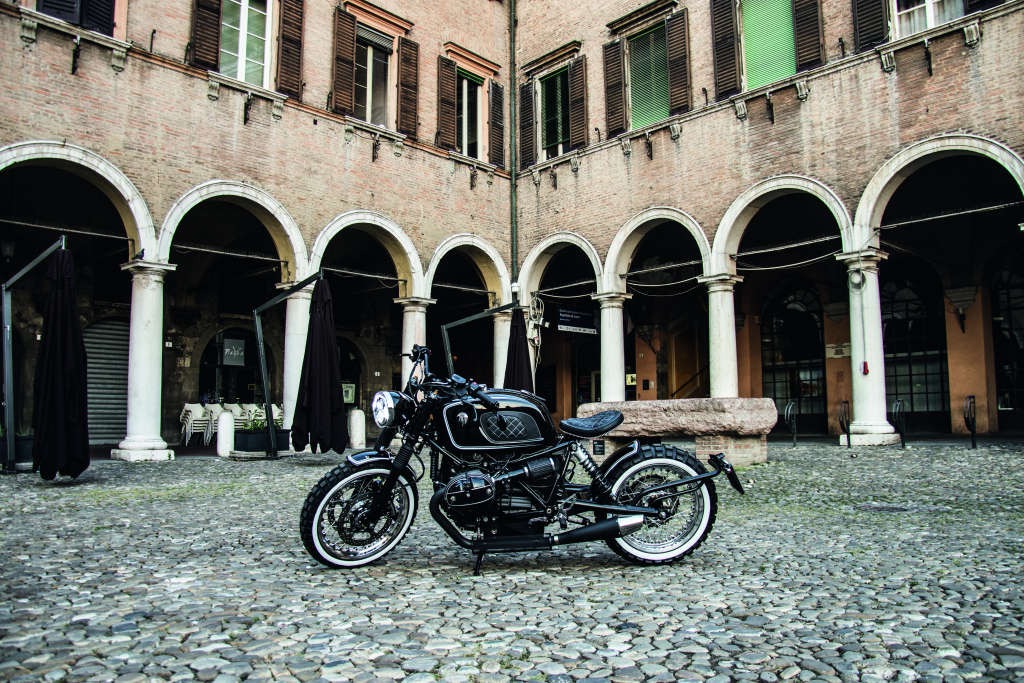 ARES DESIGN for the BMW R nineT - Courtyard - Profile