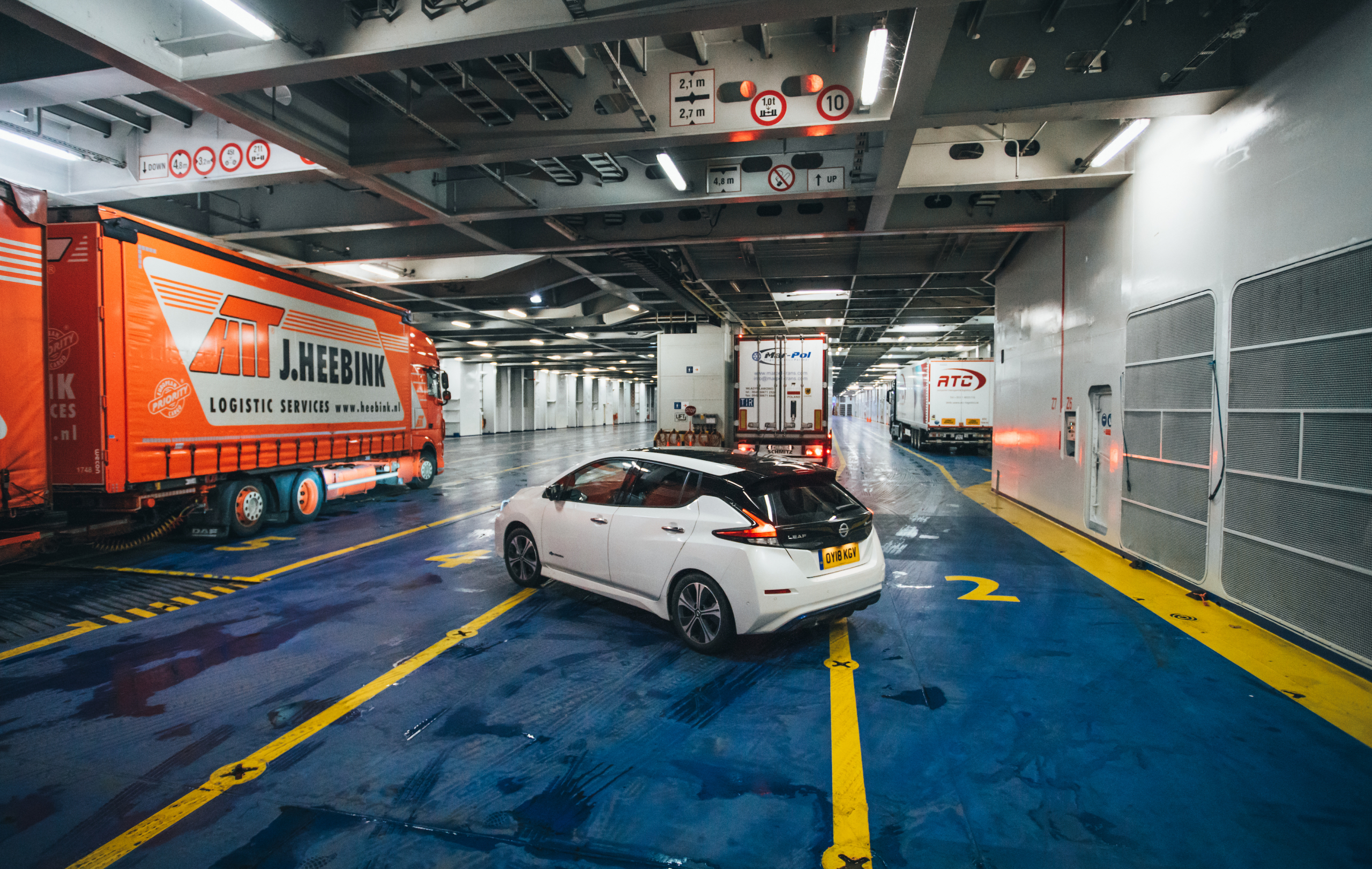 Flat-Out Magazine | Nissan Leaf: Going Green in Amsterdam ...