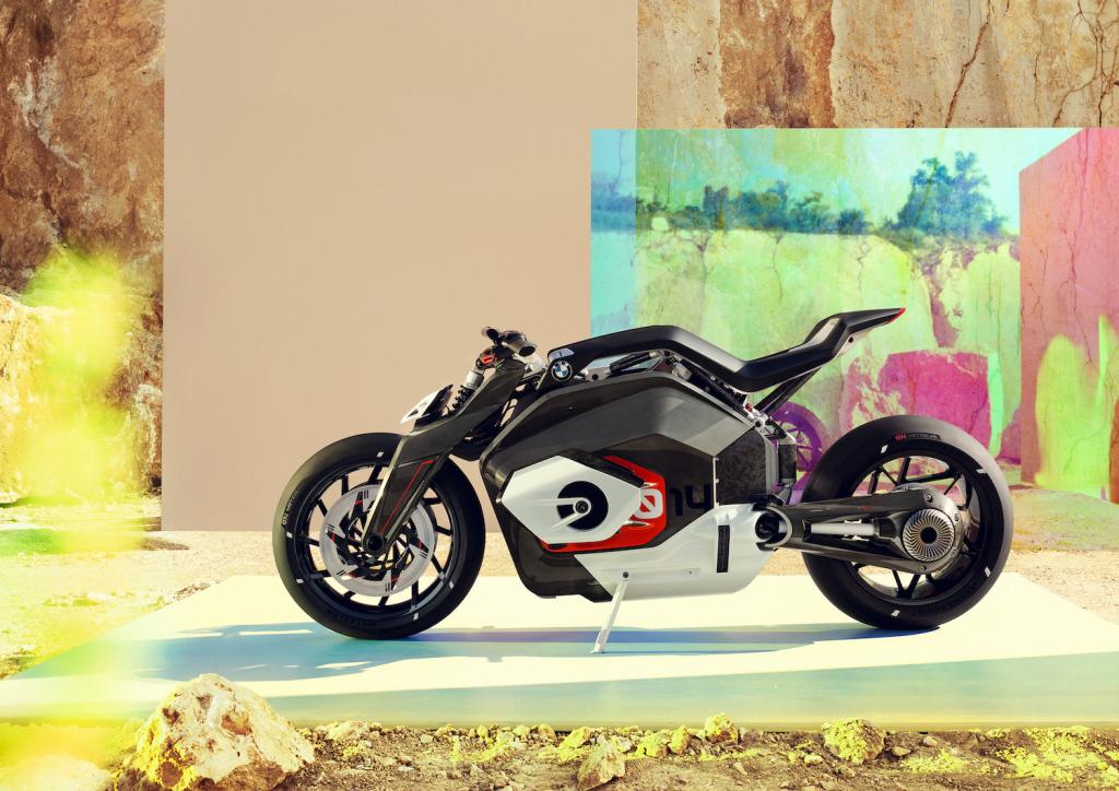 BMW Motorrad Vision DC Roadster 03