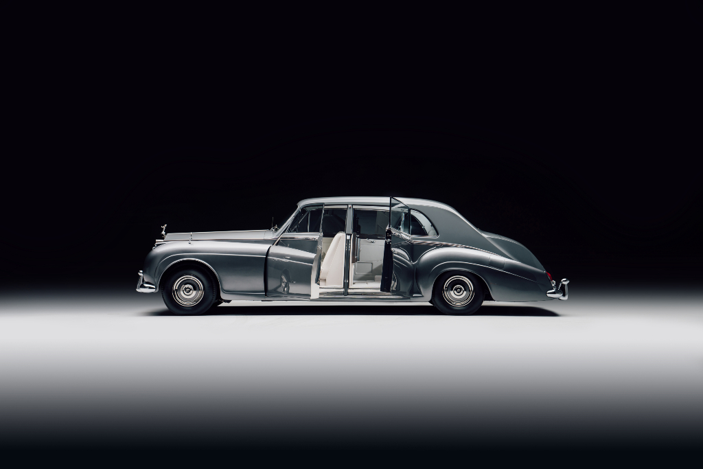 Lunaz Design Rolls-Royce Phantom V